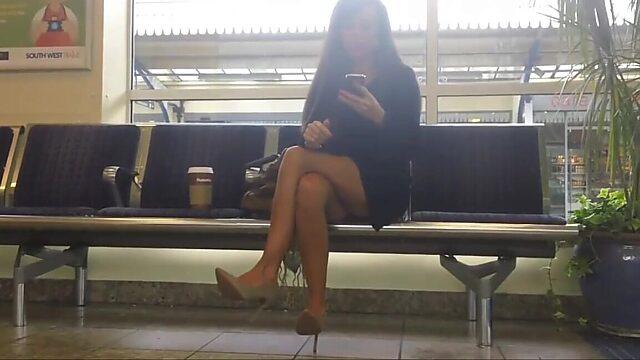 upskirt legs