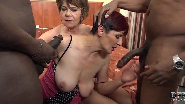 granni anal rimming