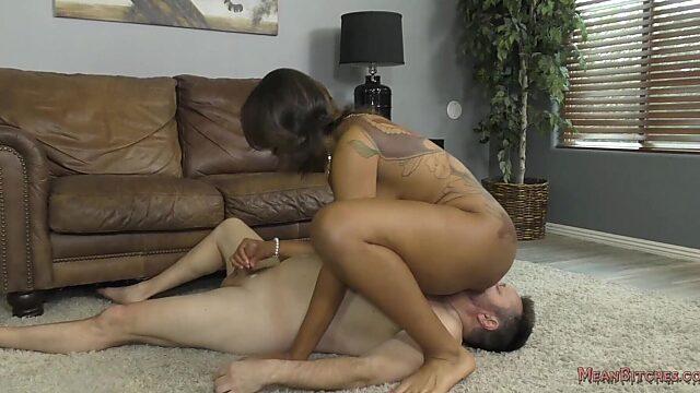 Kissing ebony