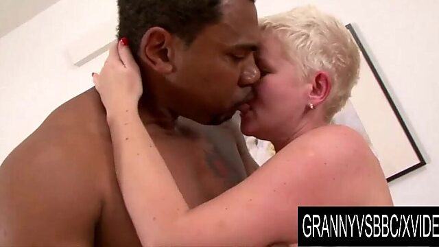 Licking granny pussy