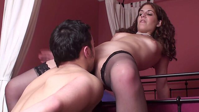 slave pussy licking