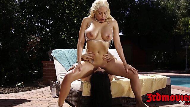 bikini lesbian