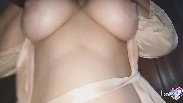 mom pussy creampie