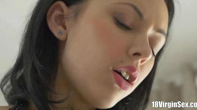 18 Virgin Sex   Jacqueline super hot babe maturates