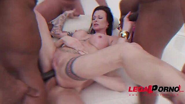 EATING ANAL CREAMPIE