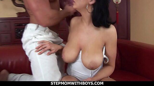 saggy tits milf