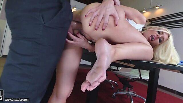 legs anal