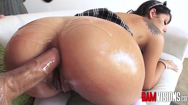 Valentina napi anal