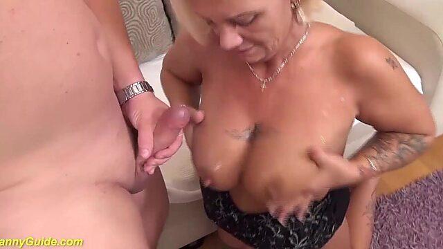 Mom hairy anal