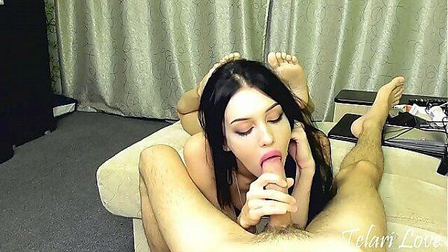 18 years old Latina make me cum in live cam