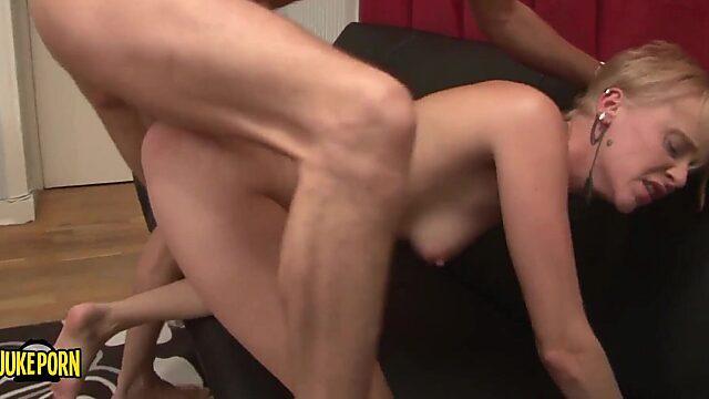 Mature skinny anal
