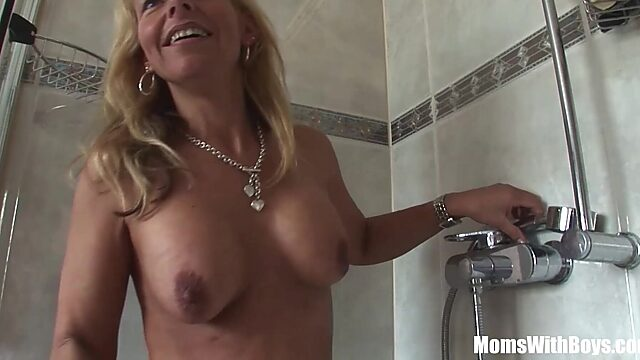 Shaving cock