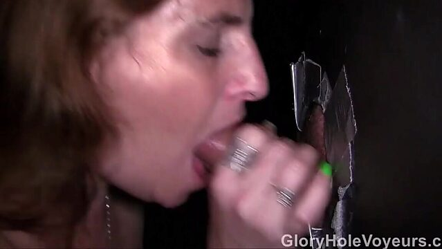 Milf gloryhole