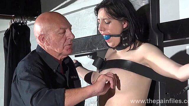 nipples pain
